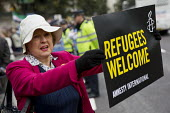 Refugees Are Welcome Here National Demonstration, Central London. - Jess Hurd - 2010s,2016,activist,activists,age,ageing population,Amnesty International,anti racism,anti racist,campaign,campaigner,campaigners,campaigning,CAMPAIGNS,cities,City,DEMONSTRATING,demonstration,DEMONSTR