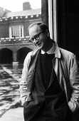 American satirist and cartoonist Jules Feiffer visiting London 1959 - Alan Vines - 1950s,1959,ACE,American,americans,art,artist,artists,arts,cartoonist,cartoonists,cities,City,culture,Jules Feiffer,London,male,man,men,people,person,persons,satire,satirist,satirists,Urban,visit,visit
