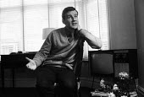 Actor Richard Briers London 1963 - Romano Cagnoni - 1960s,1963,ACE,ACTING,actor,actors,cities,city,culture,London,male,man,men,people,person,persons,Richard Briers,urban