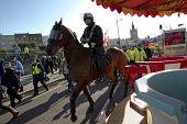 Mounted police, racist White Lives Matter protest, Margate, Kent. - Jess Hurd - 2010s,2016,activist,activists,adult,adults,animal,animals,Anti racist,bigotry,CAMPAIGN,campaigner,campaigners,CAMPAIGNING,CAMPAIGNS,CLJ,DEMONSTRATING,Demonstration,DEMONSTRATIONS,DISCRIMINATION,domest