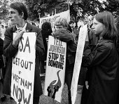 Protest against British involvement in the Vietnam war, London 1967 - Patrick Eagar - 02-07-1967