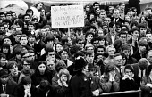 Protest against British involvement in the Vietnam war, Trafalgar Square, London 1967 - Patrick Eagar - 02-07-1967