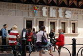 Members of the public queueing to buy tickets for West End theatre productions - Stefano Cagnoni - 23-06-2008