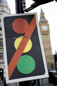 Traffic light not in use sign, Parliament, Westminster, London. - Jess Hurd - 23-11-2016