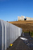 Shanksville, Pennsylvania: Visitor center complex and the Wall of Names at the Flight 93 National Memorial. The memorial remembers those killed on United Airlines Flight 93 which crashed on September... - Jim West - 2010s,2016,9/11,9-11,ACE,aeroplane,aeroplanes,aircraft,airplane,airplanes,Al Qaeda,America,architecture,Arts,aviation,buildings,crash,crash site,crashed,Crescent of Embrace,Culture,death,deaths,died,f
