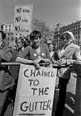 Homeless protest. Trafalgar Square, London 1980 Chained to the Gutter - NLA - 15-05-1980