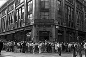 Squatters lobby The Evening News and Daily Mail over negative news coverage of squatting, London 1975 - NLA - 07-08-1975