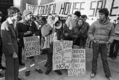Squatters protest against sale of council houses outside High Court, London 1980 - NLA - 1980,1980s,activist,activists,against,banner,banners,campaign,campaigner,campaigners,campaigning,CAMPAIGNS,cities,City,council,Council Housing,council houses,Council Housing,Court,DEMONSTRATING,Demons