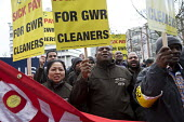 RMT cleaners protest outside GWR HQ, Swindon. They are on strike over serious bullying, claims of discrimination, poor working conditions and low pay on the Great Western Railway (GWR) train cleaning... - John Harris - 16-12-2016