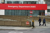 Accident & Emergency department, St Thomas' Hospital, London - Philip Wolmuth - 2010s,2017,A&E,A and E,Accident and Emergency,care,cities,City,communicating,communication,department,HEA,Health,HEALTH SERVICES,healthcare,hospital,hospitals,London,male,man,men,national health servi