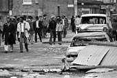 Brixton riots, London 1981, locals looking at the aftermath the day after - NLA - 12-04-1981