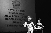 Theatre Workshop production of Oh What A Lovely War! directed by Joan Littlewood at Theatre Royal Stratford East 1963 - Romano Cagnoni - 19-03-1963