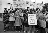 Women strike for equal pay, Trico, West London - Peter Arkell - 1970s,1976,AUEW,BAME,BAMEs,Black,black and white,BME,bme.poc,bmes,cultural,DISPUTE,DISPUTES,diversity,EARNINGS,Equal pay,Equal pay strike,equal rights,equality,ethnic,ethnicity,FEMALE,FEMININITY,femin