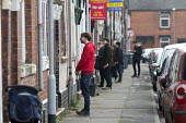 Gareth Snell and Jeremy Corbyn MP, Labour Party team canvassing, knocking on doors, Cauldon, Stoke on Trent Central, Staffordshire - John Harris - 18-02-2017