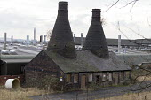 Derelict Falcon works pottery factory, Stoke, Stoke on Trent, Staffordshire - John Harris - 2010s,2017,boarded up,bottle kiln,bottle kilns,building,buildings,capitalism,capitalist,ceramic,ceramics,chimney,chimneys,cities,City,closed,closing,closure,closures,deindustrialisation,derelict,DEREL