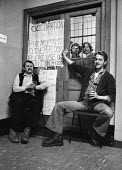 Student occupation of LSE Connaught House building, 1977, in protest at an increase in tuition fees, London - Martin Mayer - 13-02-1977
