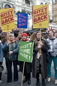 Denise McGuire Prospect with Picturehouse workers at Ritzy cinemas on 24 hour strike, rally in Leicester Square the center of the London cinema scene in protest at the continuing refusal by Cineworld... - Stefano Cagnoni - 26-02-2017