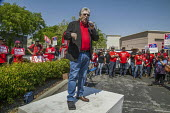 San Jose, California, workers outside AT&T protest at the unwillingness of the company to agree to a new union contract. Chris Shelton, Pres CWA speaking - David Bacon - 09-04-2017