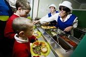 Dinnertime at a primary School , Newcastle Upon Tyne - Mark Pinder - 07-02-2007