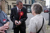 Labour Party candidate Mike Hill canvassing in the Hartlepool constituency - Mark Pinder - 28-05-2017