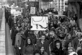 London teachers protest at a wage freeze and refusal of government to pay London weighting 1972 - NLA - 1970s,1972,activist,activists,banner,banners,CAMPAIGN,campaigner,campaigners,CAMPAIGNING,CAMPAIGNS,DEMONSTRATING,Demonstration,DEMONSTRATIONS,EARNINGS,EQUALITY,FEMALE,government,ILTA,Income,INCOMES,in
