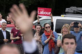 Jeremy Corbyn waving as he leaves Labour Party general election rally, Beeston, Nottingham - John Harris - 03-06-2017
