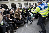 Police scuffles with anti fascists opposing an English Defence League march London. - Jess Hurd - 24-06-2017