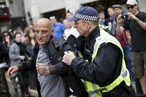 English Defence League arrest London. - Jess Hurd - 2010s,2017,activist,activists,adult,adults,against,anti,arrest,arrested,arresting,bigotry,CAMPAIGN,campaigner,campaigners,CAMPAIGNING,CAMPAIGNS,CLJ,Defence,DEFENSE,DEMONSTRATING,Demonstration,DEMONSTR