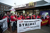 McDonalds workers strike, Crayford, South East London. Fast Food Rights Campaign want 10 pounds an hour, end to zero hour contracts and union rights - Jess Hurd - 2010s,2017,activist,activists,against,banner,banners,BFAWU,campaign,campaigner,campaigners,campaigning,CAMPAIGNS,catering,cities,City,contract,contracts,DEMONSTRATING,Demonstration,DEMONSTRATIONS,DISP