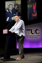 Dave Ward, CW speaking TUC Congress, Brighton 2017. - Jess Hurd - 10-09-2017