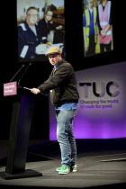 Eddie Dempsey RMT speaking TUC Congress, Brighton 2017. - Jess Hurd - 10-09-2017