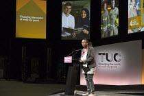 Michelle Codrington Rogers NASUWT speaking TUC Congress Brighton 2017 - John Harris - 11-09-2017