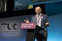 Russ Walters NASUWT speaking TUC Congress Brighton 2017 - John Harris - 11-09-2017