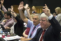 Eddie Saville, Paul Donaldson HCSA voting TUC Congress Brighton 2017 - John Harris - 12-09-2017