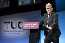 Mick Cash, RMT speaking TUC Congress, Brighton 2017 - Jess Hurd - 13-09-2017