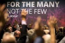 Voting at Labour Party Conference, Brighton 2017 - Jess Hurd - 2010s,2017,Conference,conferences,democracy,Party,people,POL,political,POLITICIAN,POLITICIANS,Politics,slogan,slogans,Vote,Votes,Voting