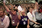 UNISON deleagtes voting, Labour Party Conference, Brighton 2017 - Jess Hurd - 2010s,2017,Brighton,Conference,conferences,deleagtes,delegate,delegates,delegation,democracy,FEMALE,Labour Party Conference,member,member members,members,Party,people,person,persons,POL,political,POLI