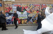 Unveiling of the Grunwick 40 community mural in Chapter Road Brent north London opposite the site of the former Grunwick Factory that was the scene of a union recognition dispute 40 years ago between... - Stefano Cagnoni - 30-09-2017