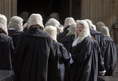 Lord Chancellors breakfast. Traditional procession of Judges to the Houses of Parliament to mark official start of year in the British legal system, London. Queens Counsels in full ceremonial dress fi... - Stefano Cagnoni - 02-10-2017