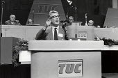 Rodney Bickerstaffe, NUPE speaking for a National Minimum Wage, TUC Congress, Brighton, 1986 - Philip Wolmuth - 08-09-1986