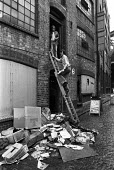 Socialist Workers Party HQ firebombed. London, 1977 - NLA - 31-08-1977