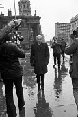 John Poulson arriving at Wakefield Crown Court, Yorkshire, 1973. Architect and businessman, he caused a major political scandal when his use of bribery to win contracts was disclosed in 1972. He was s... - NLA - 1970s,1973,ARRIVAL,arrivals,arrive,arrives,arriving,bankrupt,bankruptcy,bribery,cities,City,CLJ,corrupt,corruption,court,court case,courts,Crime,Crown Court,Home,John Poulson,Justice,Law,male,man,men,