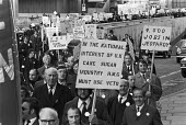 1973 Tate and Lyle Sugars refinery sugar workers protest demanding that the Government use their veto against the use of sugar beet rather than cane within the EU, as required by EEC regulations. The... - NLA - 1970s,1973,activist,activists,against,CAMPAIGN,campaigner,campaigners,CAMPAIGNING,CAMPAIGNS,CAP,Common Agricultural Policy,DEMONSTRATING,Demonstration,DEMONSTRATIONS,Development,EEC,European Union,Gov