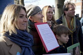 Emma Thompson, family and friends of Nazanin Zaghari-Ratcliffe a Briton imprisoned in Iran hand in an open letter to the Shia Islamic Centre of England in Maida Vale calling for her release, Hampstead... - Jess Hurd - 2010s,2017,activist,activists,CAMPAIGNING,CAMPAIGNS,DEMONSTRATING,demonstration,Emma Thompson,Hampstead,Iran,jail,London,Maida Vale,mprisoned,Nazanin Zaghari-Ratcliffe,open letter,Protest,PROTESTER,PR