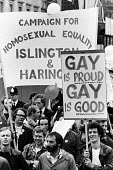 Gay Pride march 1977 for equal rights for homosexuals London - John Sturrock - 1970s,1977,activist,activists,banner,banners,Campaign for Homosexual Equality,CAMPAIGNING,CAMPAIGNS,CELEBRATE,celebrating,CHE,DEMONSTRATING,DEMONSTRATION,DEMONSTRATIONS,equal,equality,Gay,Gay Pride,Ga