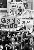 Gay Pride march 1977 for equal rights for homosexuals London - John Sturrock - 1970s,1977,activist,activists,Campaign for Homosexual Equality,CAMPAIGNING,CAMPAIGNS,CELEBRATE,celebrating,CHE,DEMONSTRATING,DEMONSTRATION,DEMONSTRATIONS,equal,equality,Gay,Gay Pride,Gays,Haringey,hom