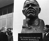 Unveiling of Nelson Mandela statue, Southbank London 1985, sculpted by Ian Walters. ANC President Oliver Tambo and Mandelas eldest daughter Zenani Dlamini - Stefano Cagnoni - 23-10-1985