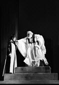 RSC 1959 KIng Lear by William Shakespeare directed by Glen Byam Shaw and with Charles Laughton and Angela Baddeley - Alan Vines - 1950s,1959,ACE,acting,actor,actors,Angela Baddeley,Arts,Charles Laughton,Classic,Culture,drama,DRAMATIC,GB Shaw,King Lear,male,man,men,people,person,persons,play,PLAYING,plays,Royal Shakespeare Compan