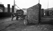Local grocer delivering goods by horse and cart to the mining families, Horden County Durham 1948 - Elisabeth Chat - 01-06-1948