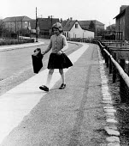 Denmark, 1953. Danish schoolgirl Lilli Osterland aged 9 setting off for school from her home in one of the suburbs of Copenhagen. The free school health services kept Danish schoolchildren amongst the... - Eric Schwab - 19-04-1953